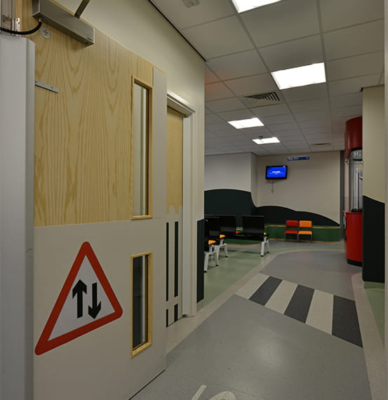royal oldham hospital door protection (3)