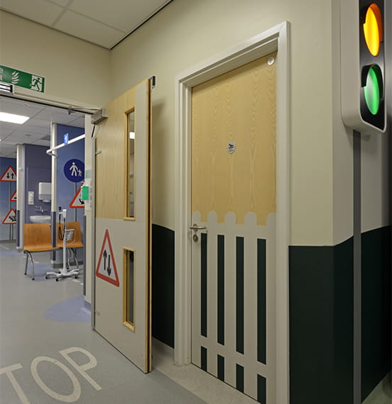 royal oldham hospital door protection (4)